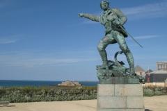 Statue de Robert Surcouf à Saint-Malo