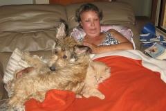 Sieste avec maman et Pitou